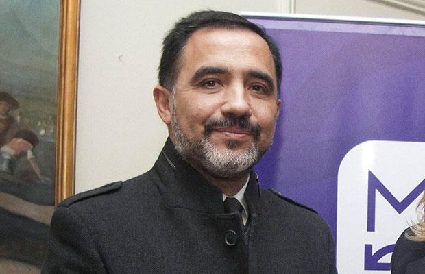 """Patricio Hernández es el hombre que trajo """"Las mil y una noches"""" a Chile."""