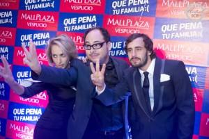 Andrea Velasco junto a Nicolás Lópéz y Ariel Levy
